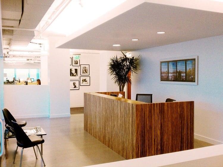 nội thất gỗ trong văn phòng