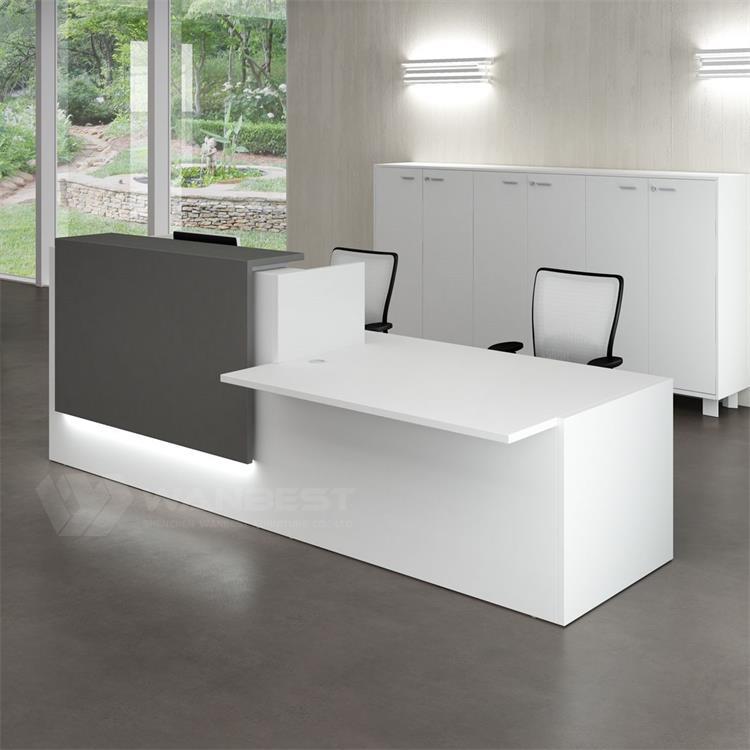 nội thất văn phòng phong cách tối giản