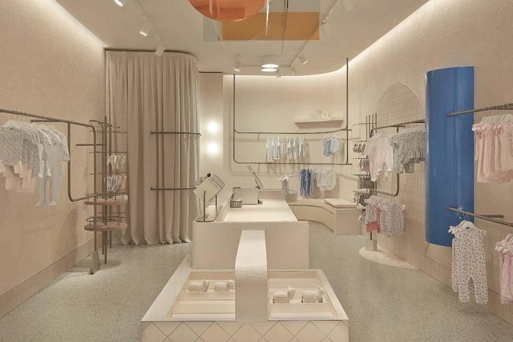 thiết kế ánh sáng cửa hàng thời trang trẻ em