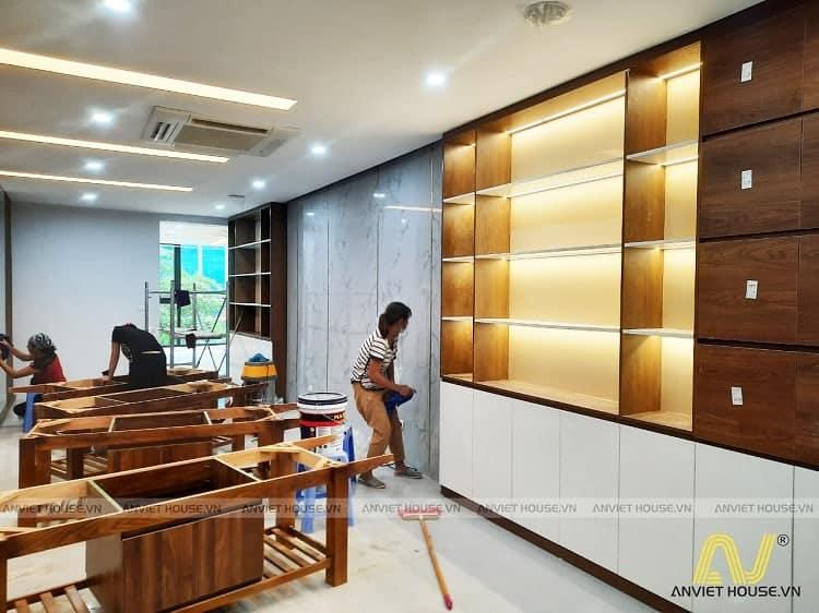 An Viet House - thi công nội thất showroom cửa hàng